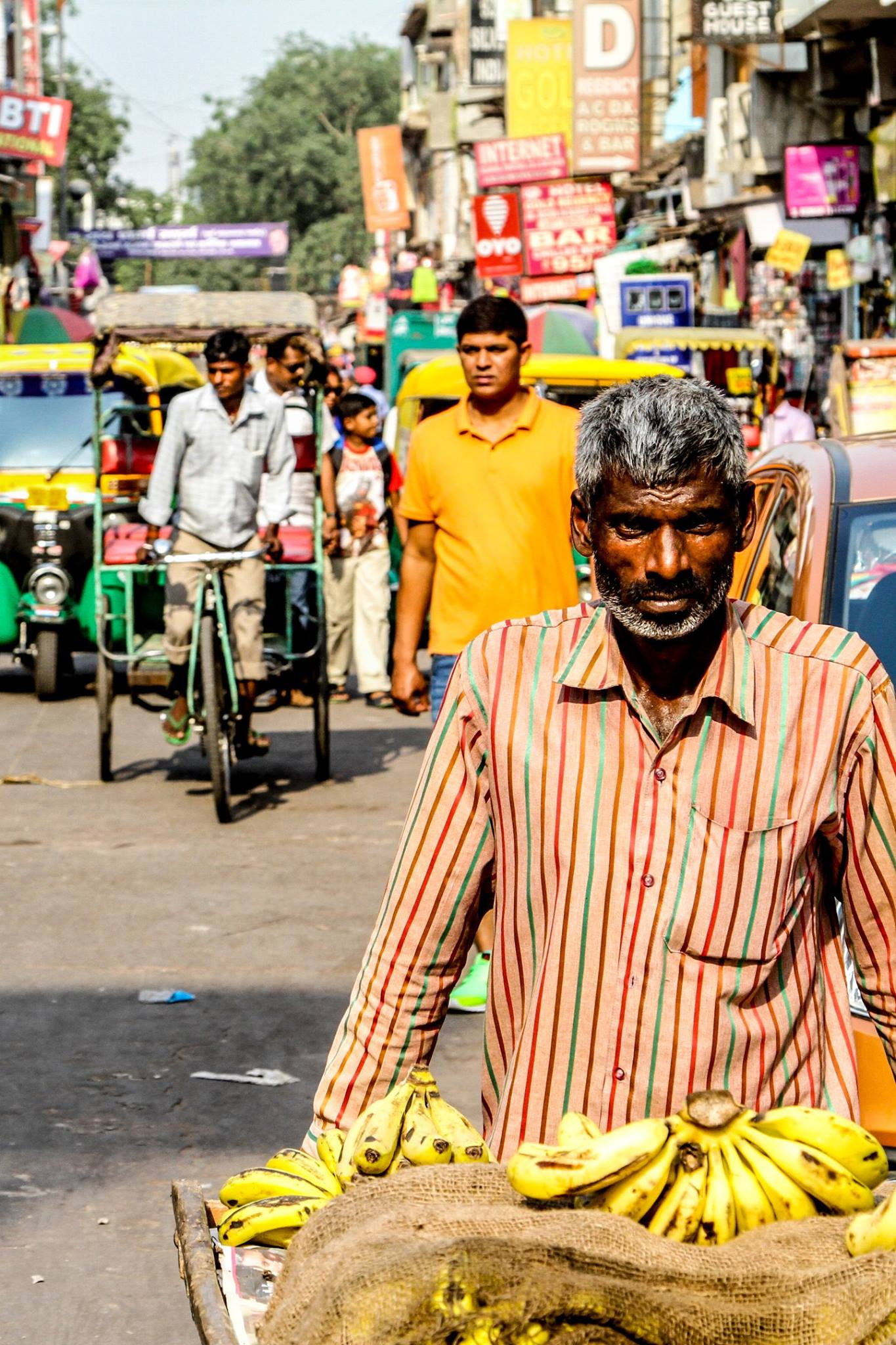 photographing people in india